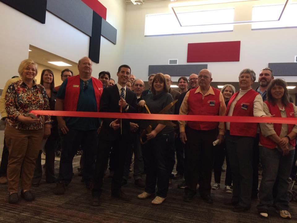 Ribbon Cutting at Stagebarn Middle School in Summerset